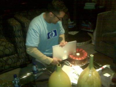 Cake Knife MacBook Air
