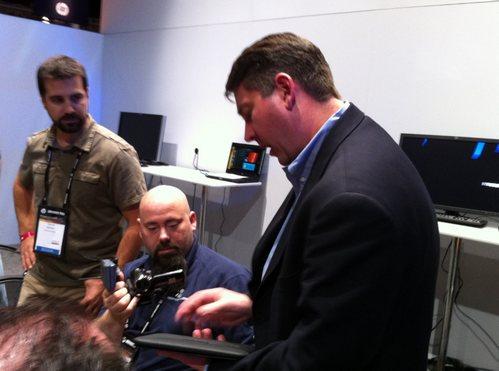 Charla con tim pettitt hp gerente de proyecto touchpad for Algo fuera de serie