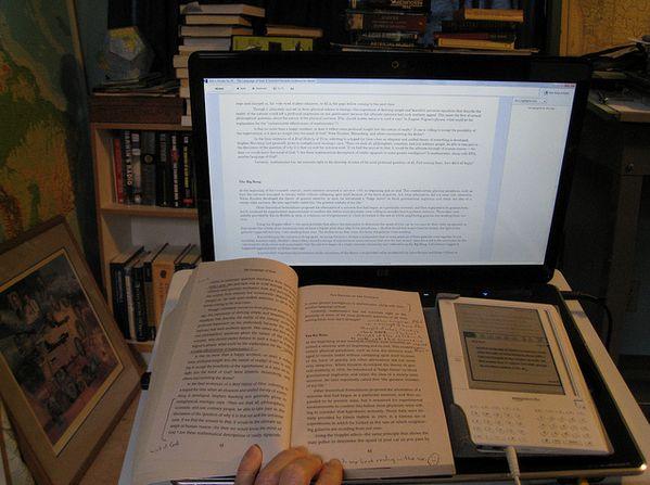 laptop-reader-book