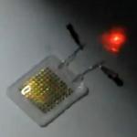 Crean una batería elástica que podría alimentar dispositivos implantados en el cuerpo