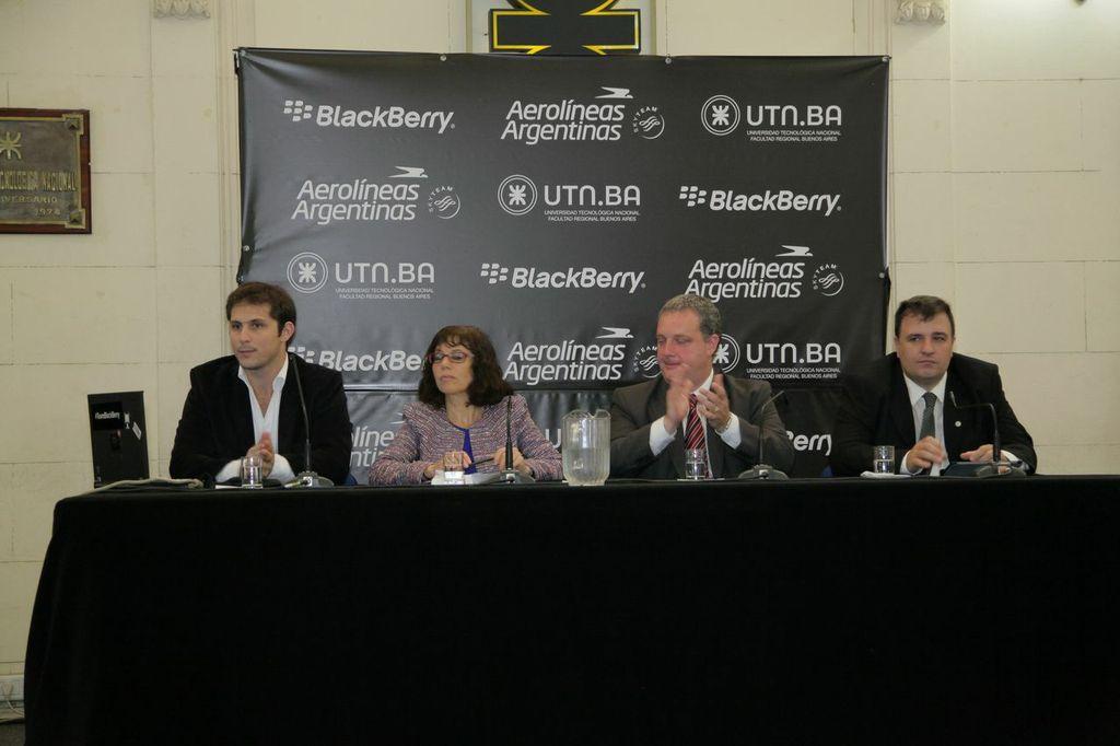 Panel Bryan Tafel, Ruth Landenheim, Andres Bursztyn e Ignacio Echechiquía