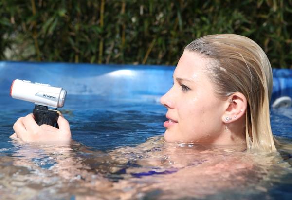 polaroid-xs80-water