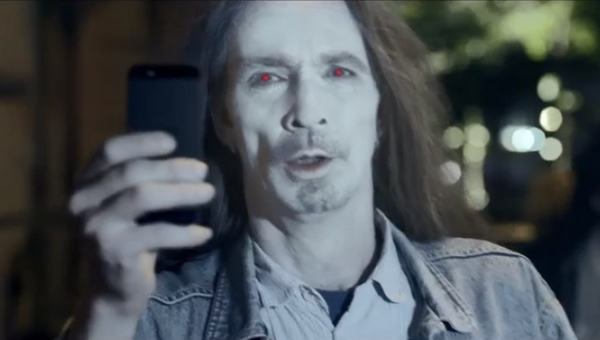 nokia-iphone-zombies-comercial
