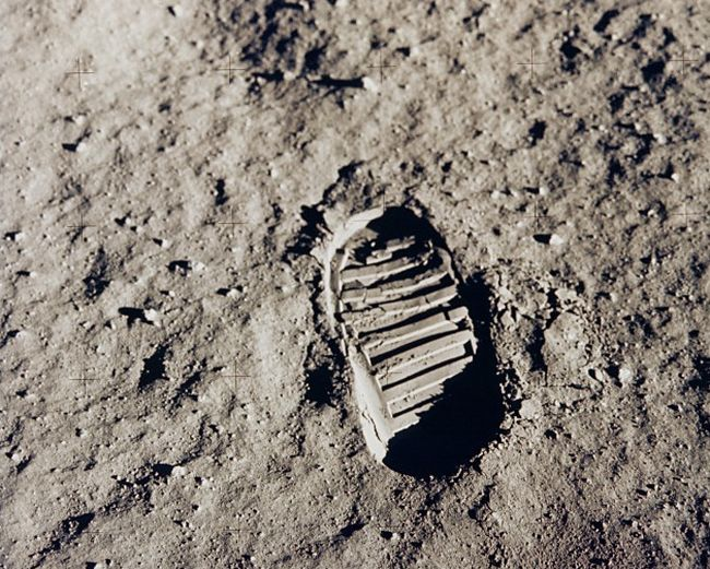 apollo-11-boot-print