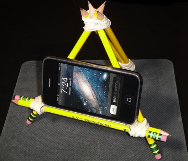 Diy 7 bases para sostener smartphones creadas con for Elementos para oficina