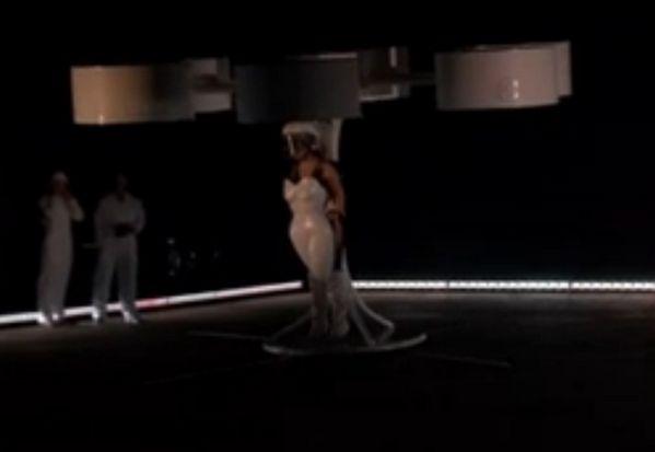 lady-gaga-flying-dress