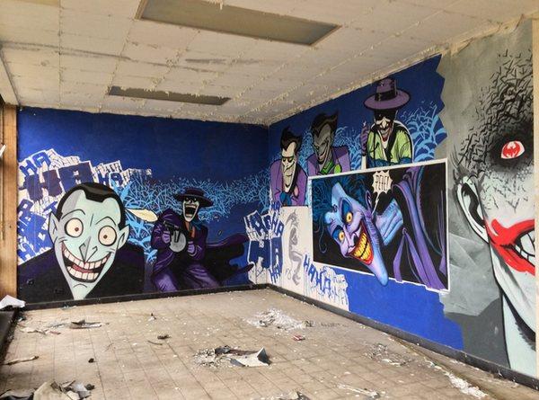 escuela-enfermeria-grafiti-batman-2