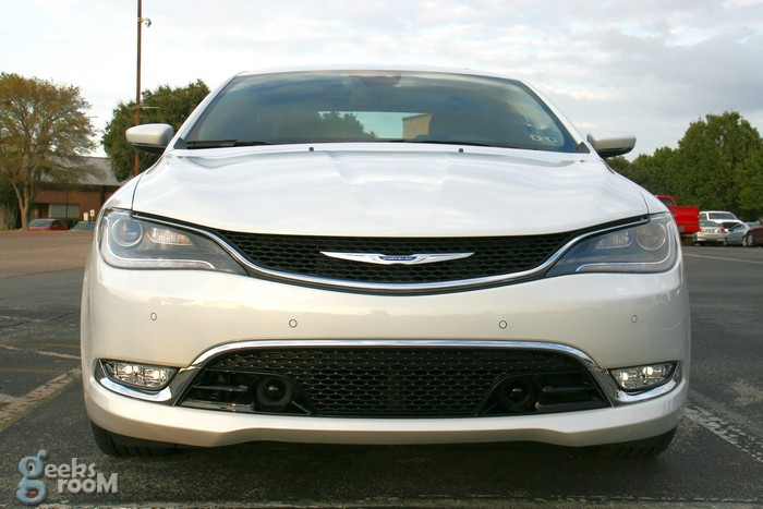 2015-chrysler-200c-awd-16