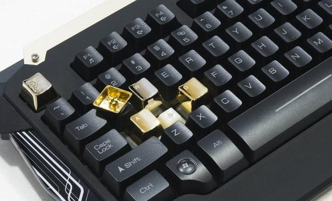 tt-esport-teclado-commander-teclas-metalicas