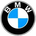 BMW, dueños de la empresa Alphabet, están evaluando si Google vulnera o no derechos de marca