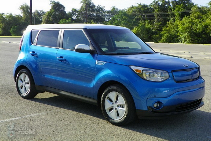 review kia soul ev 2015 un el ctrico con estilo divertido de manejar pero con un. Black Bedroom Furniture Sets. Home Design Ideas