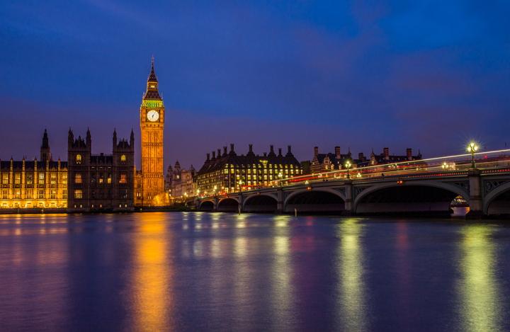 london-big-ben-negative-space