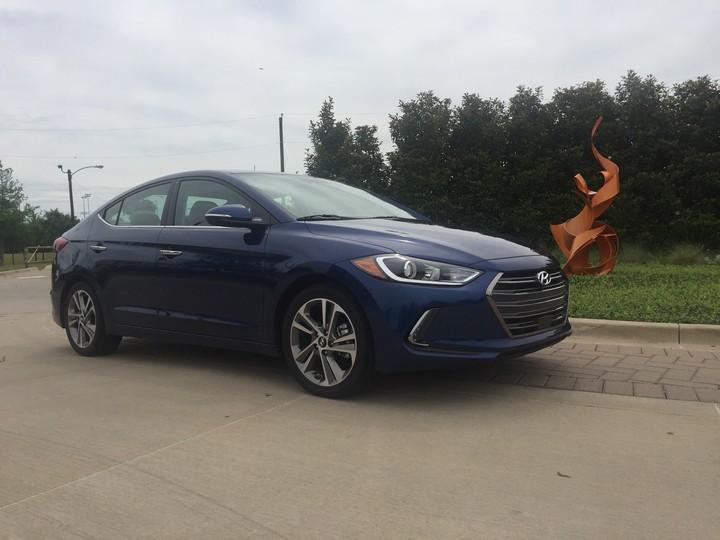 Review: Hyundai Elantra Limited 2017