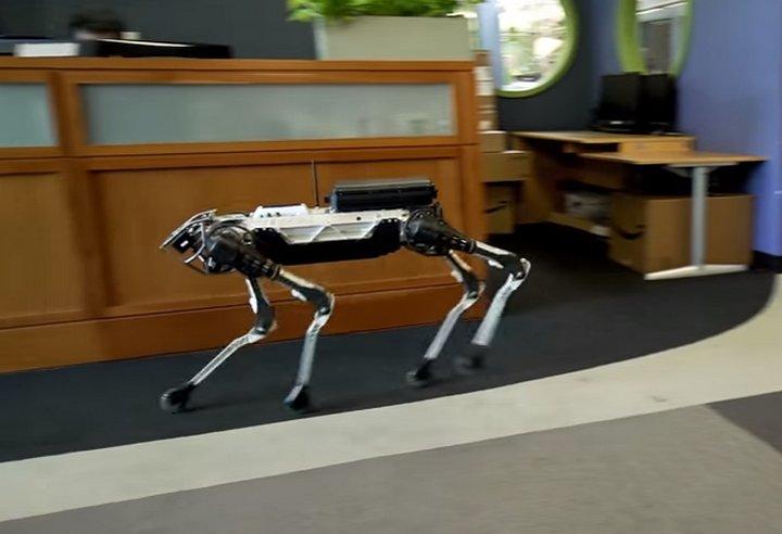 SpotMini es una nueva y divertida versión del robot Spot de Boston Dynamics