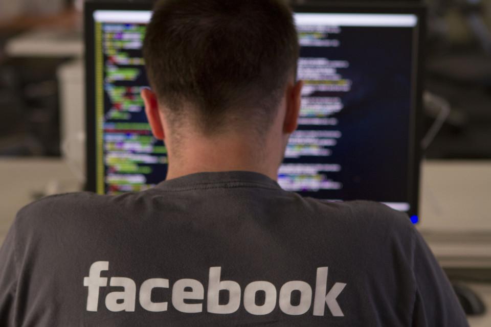Facebook introduce mejoras para obtener recomendaciones, descubrir eventos y conectarse con negocios locales