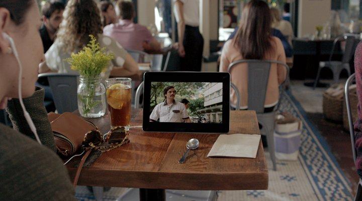 netflix-tablet-bar