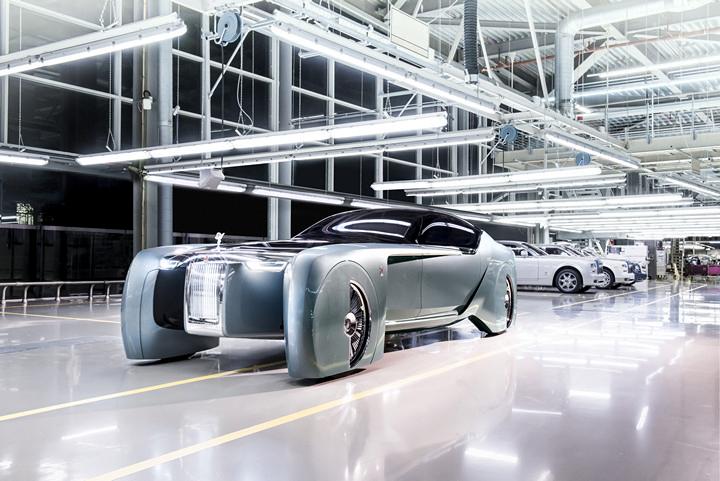 Rolls-Royce presenta un alucinante y lujoso concepto de automóvil autónomo