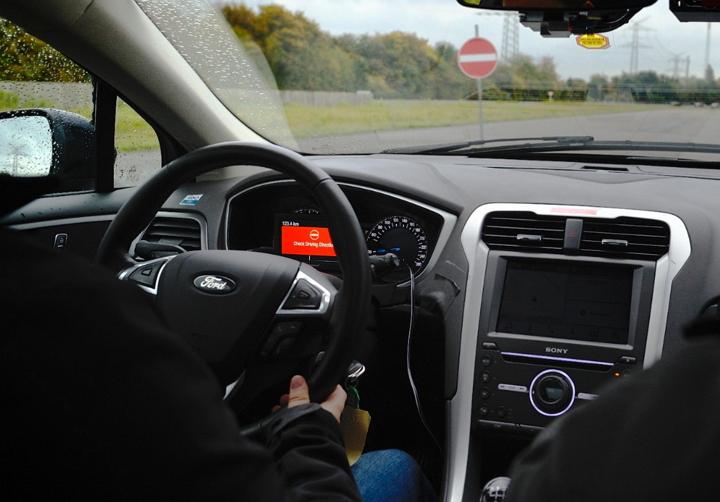 Ford revela nuevas tecnologías avanzadas de asistencia al conductor