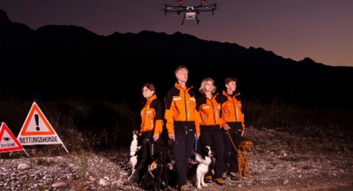 En Suiza los equipos de rescate y sus perros tendrán la ayuda de drones