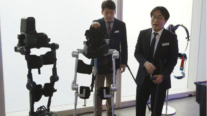 Hyundai revela dos nuevos prototipos de exoesqueletos