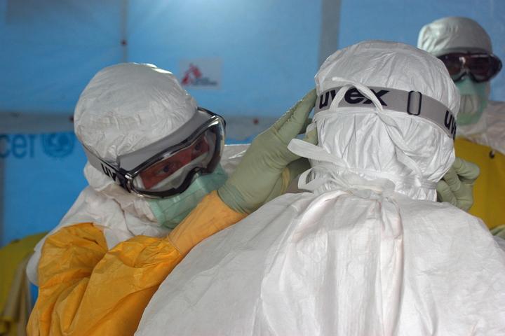 Virus de Ebola - Médicos en África