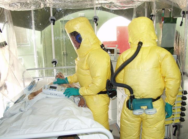 Pruebas de vacuna contra el virus de Ebola muestran una efectividad del 100%