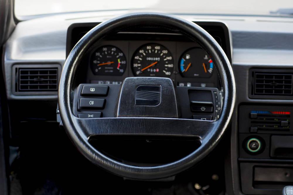 SEAT Ibiza - 1980-1990 - Volante