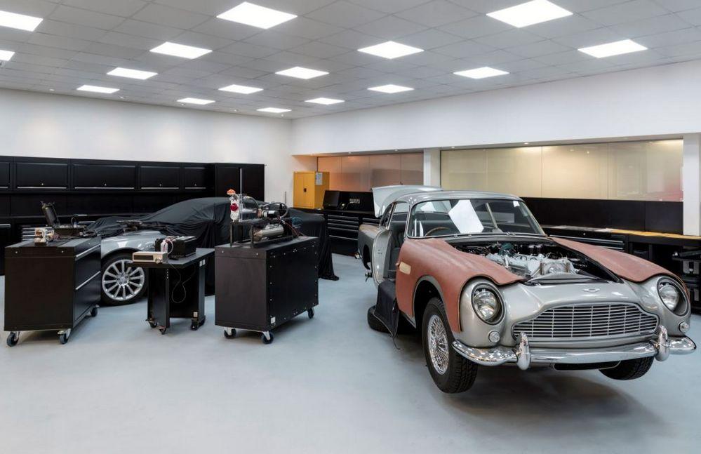 Aston Martin Goldfinger DB5