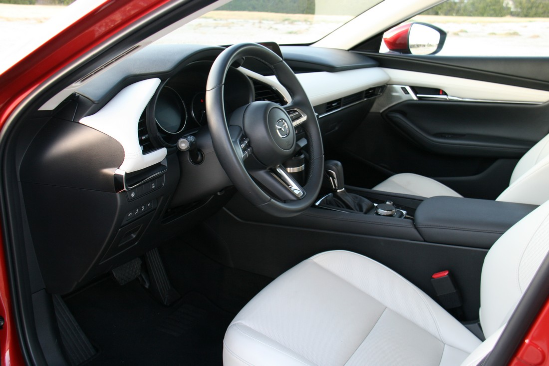 Mazda3 Sedan Premium 201