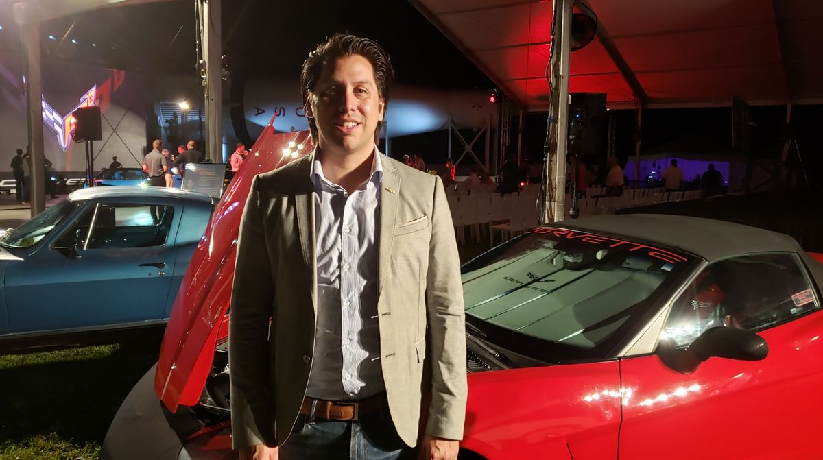 Chad Lyons - Gerente de Comunicaciones y Relaciones Públicas de General Motors