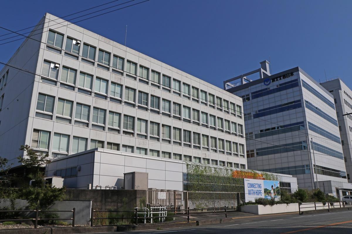 Edificio de Oficinas utiliza Energía de Paneles Solares y Baterías de Nissan LEAF
