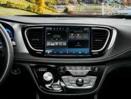 Chrysler Pacifica 2021 - UConnect 5
